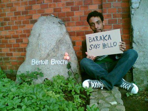The author at Brecht's grave, thinking of Baraka… [photo by Nina Fleck, © 2006]